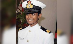 Shubhangi-Swaroop-becomes-first-female-pilot-in-Indian-Navy